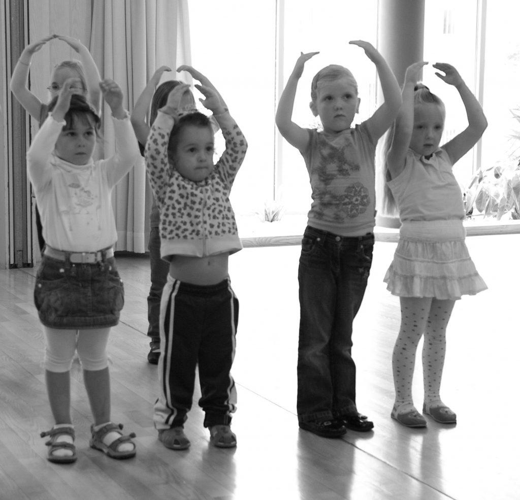 Jahr 2010. Kindertanzclub bravO