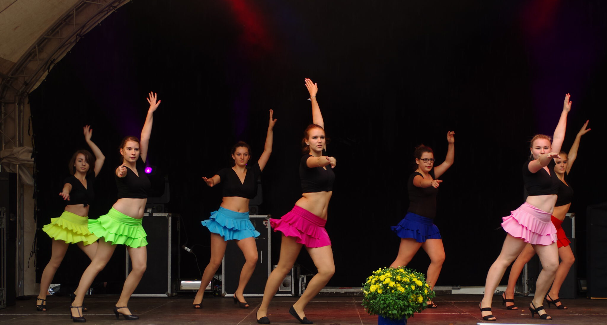 Jahr 2014. Kindertanzclub bravO.